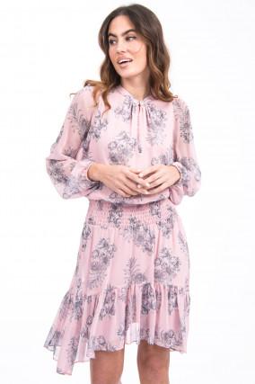 Kleid mit gesmokter Taille in Rosa