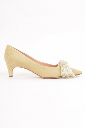Pumps mit Quaste in Beige