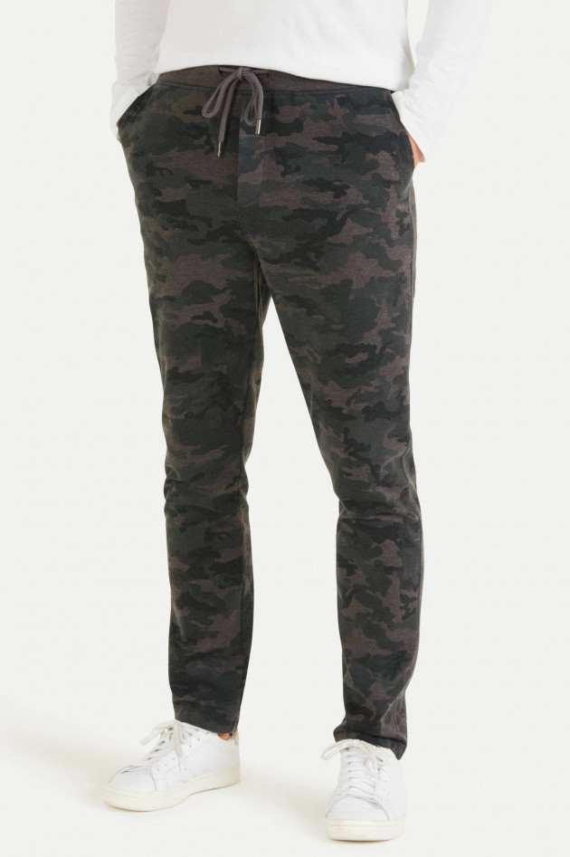 Juvia Sweatpants im Camouflage-Design