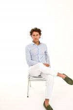 Leichtes Baumwollhemd in Hellblau/Weiß