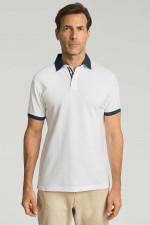 Poloshirt mit Kontrastkragen in Weiß