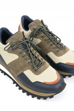 Sneaker aus Material-Mix in Multicolor