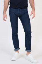 Jeans mit Fell-Logo-Patch in Dunkelblau
