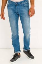 Klassische Jeans in Hellblau