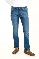 Leichte Jeans in Mittelblau