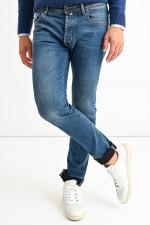 Jeans aus Baumwollstretch in Mittelblau