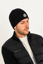 Mütze aus Schurwolle in Schwarz