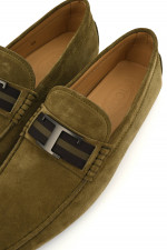 Veloursleder-Loafer in Oliv