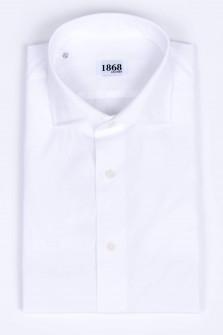 Hemd mit Haifischkragen in Weiß