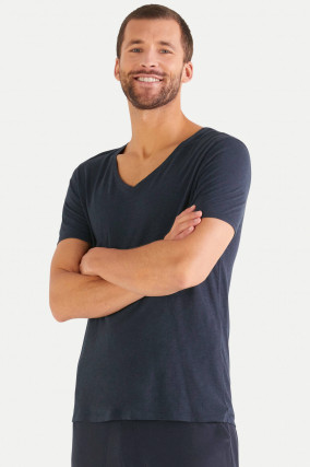T-Shirt mit V-Neck in Navy