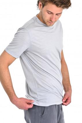 T-Shirt aus Schurwolle in Hellgrau