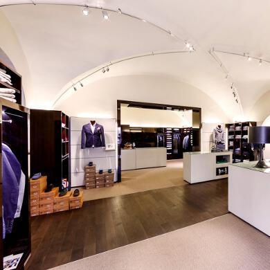 Modehaus Grüner: Store in der Burggasse - Herren - Überblick (Bild 1 von 4)