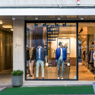 Modehaus Grüner: Store in Velden - Herren - Auslage (Bild 6 von 9)